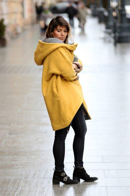Gele oversized jas met een grote capuchon