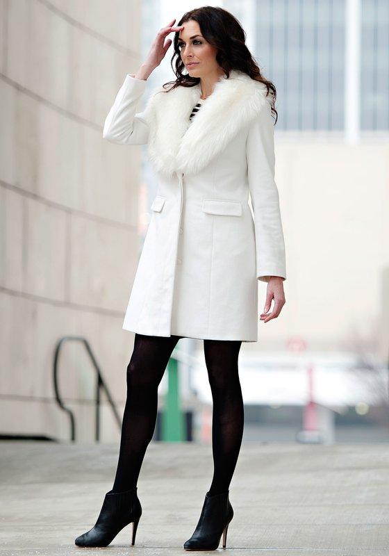 Witte jas met bontkraag