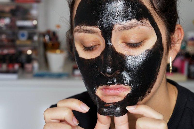 Zwarte puntmaskers