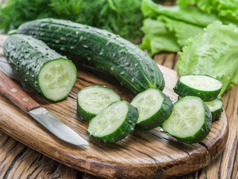 Komkommer gezichtsmasker