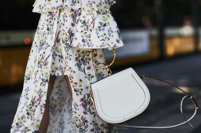 Mažas baltas krepšys