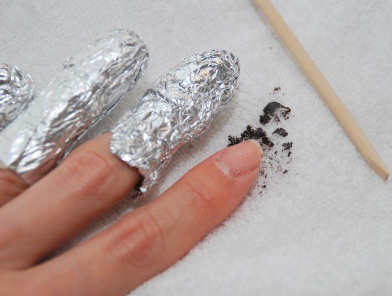 Wikkelen en verwerken na verwijdering van gellak