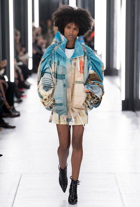 Louis Vuitton - gelaagde en volumineuze mouwen