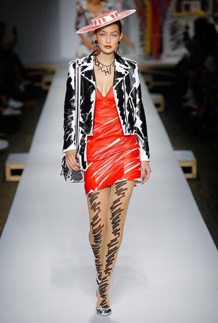 Handgetekende mode door Moschino
