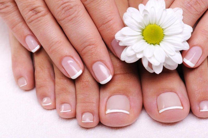 Manicure en pedicure voor maart
