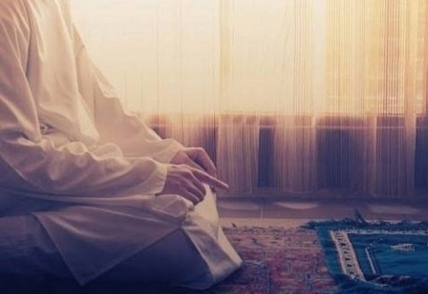 Moslim legt uit hoe soera te lezen