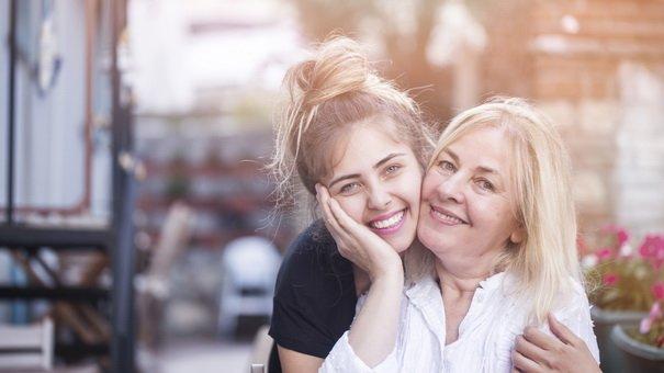 volwassen kinderen moeder samenzwering