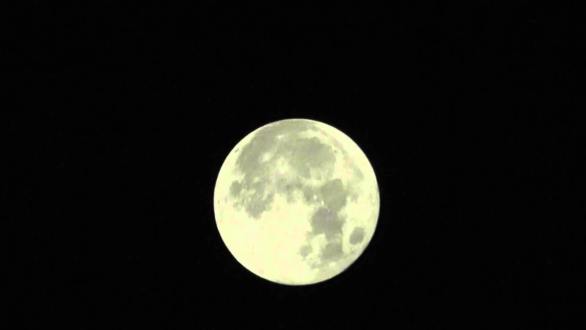 Volle maan rituele voorbereiding