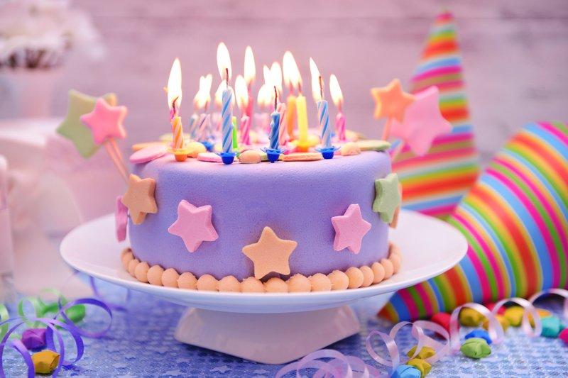 Samenzweringen voor een verjaardag