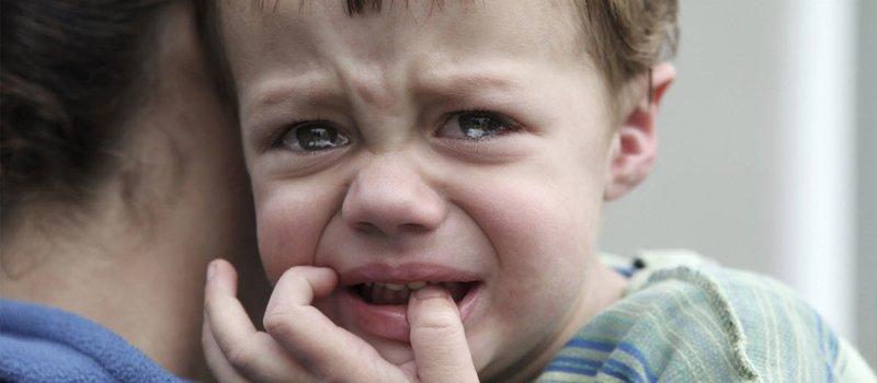 samenzwering om het boze oog van het kind te verwijderen