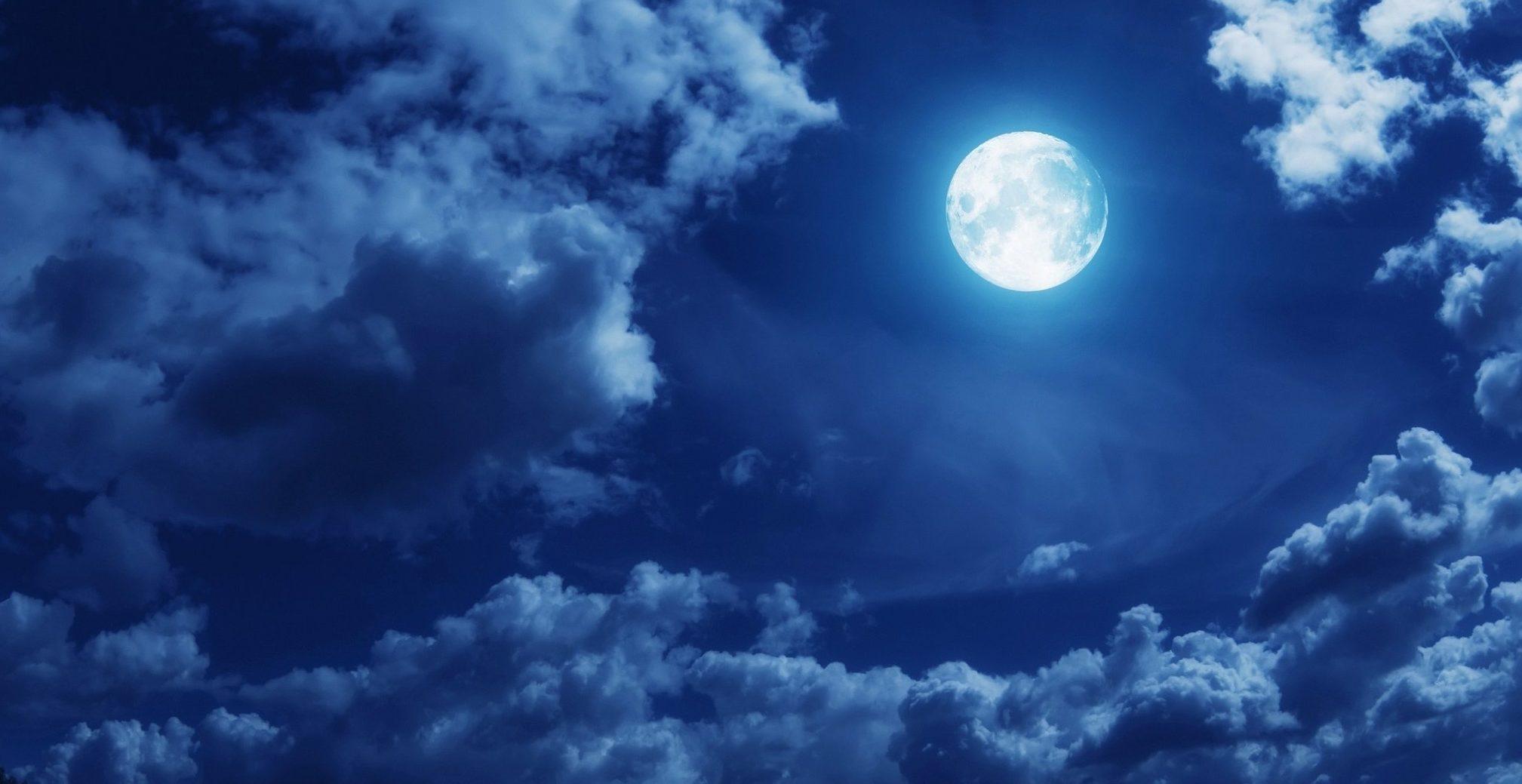 Samenzwering voor geld en geluk op de volle maan