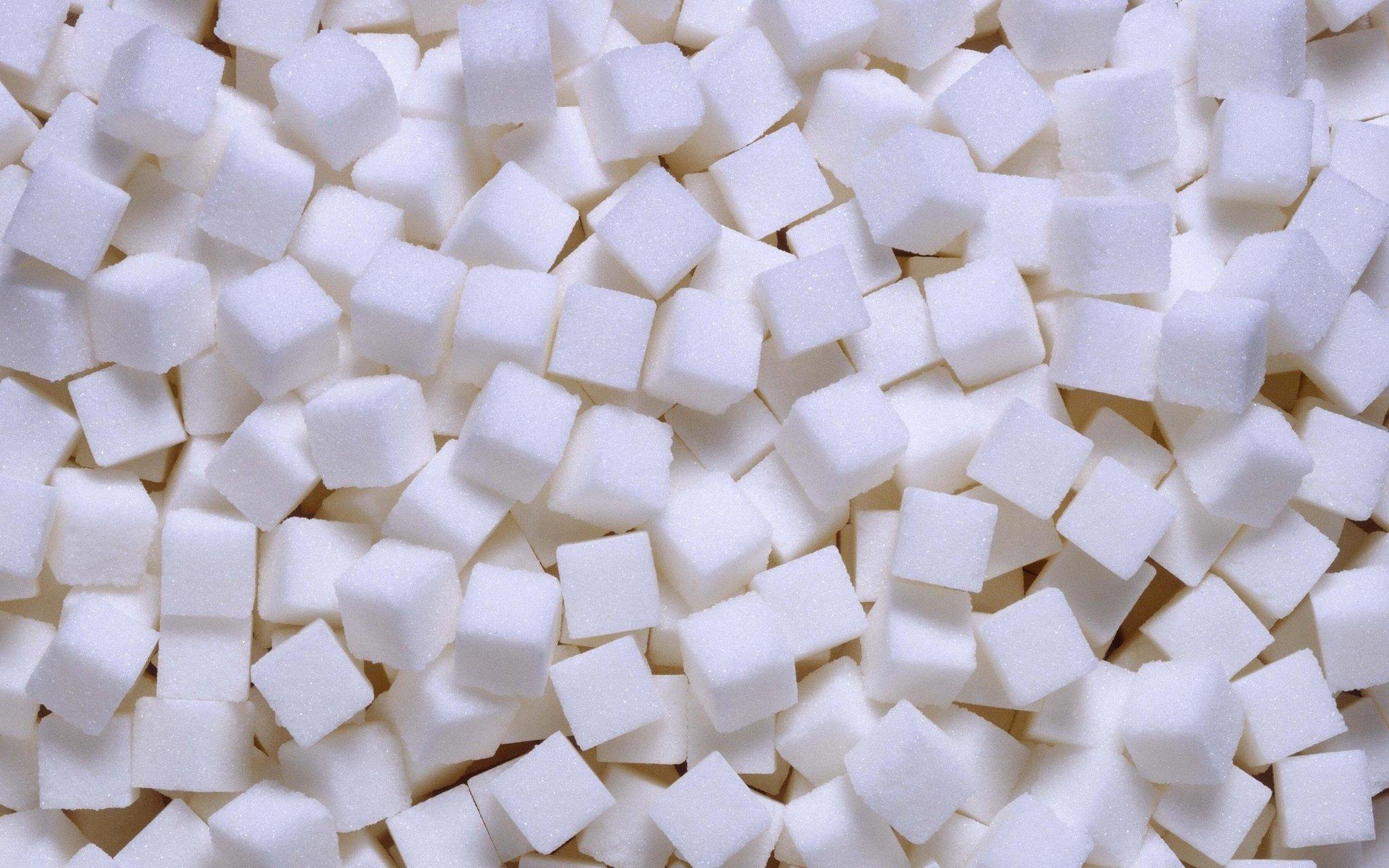 Samenzweringen voor geld en geluk voor suiker