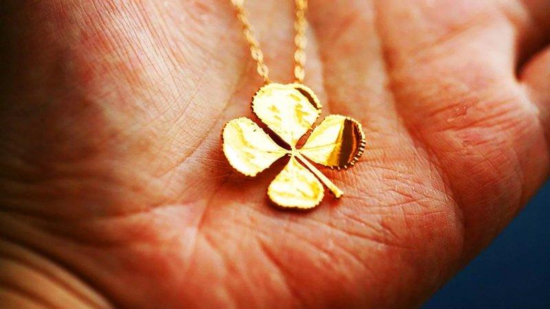 Amulet als een geschenk