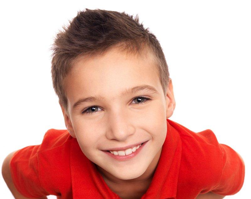 Korte kapsels voor een jongen van 8 jaar