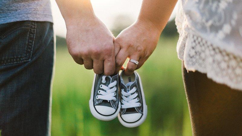 Gebeden van man en vrouw voor het geven van kinderen