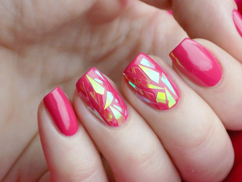 Rožinio stiliaus manikiūras