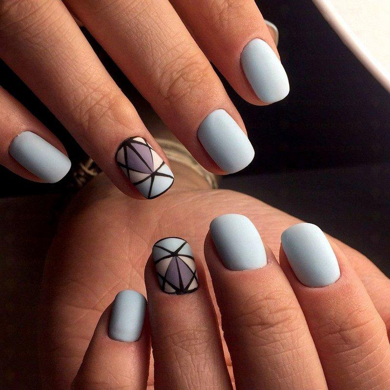 Minimalistische geometrische manicure.