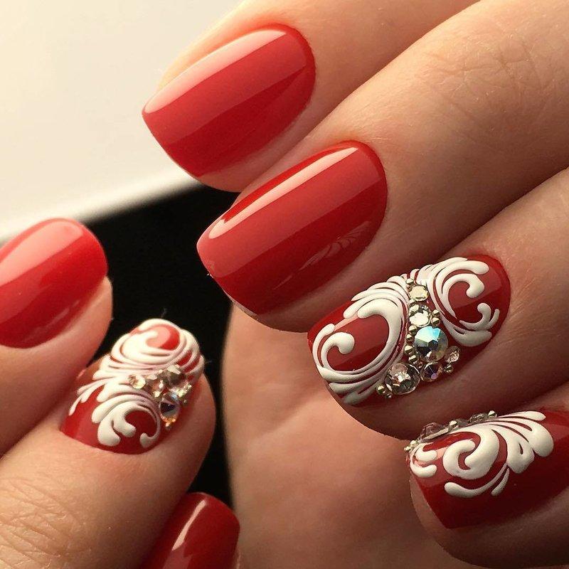 Rode print manicure