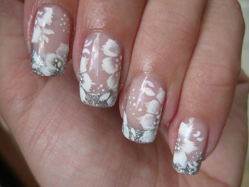Zilveren jas met witte bloemen