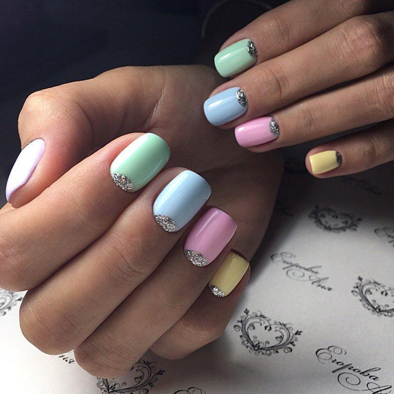 Marshmallow Bright Moon-manicure