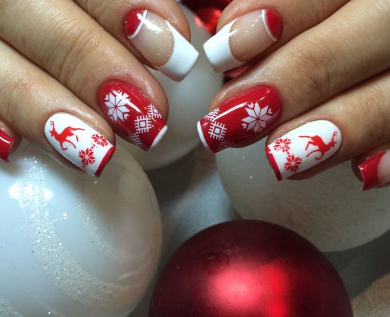 Chic New Year's nail art