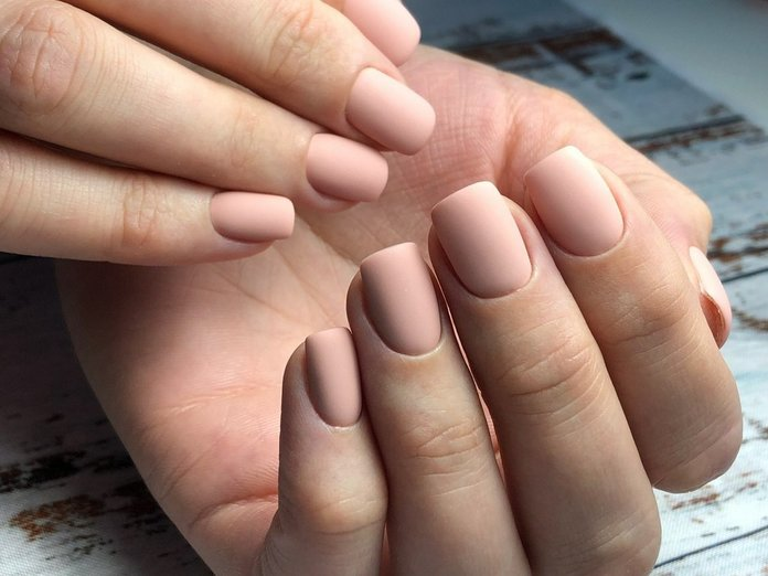 Naakte manicure