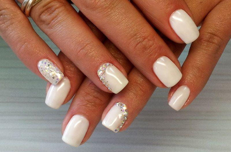 Fawn steentjes en granen bruiloft manicure