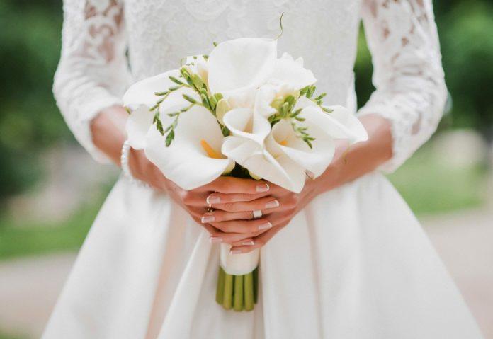 Modieuze bruiloft manicure