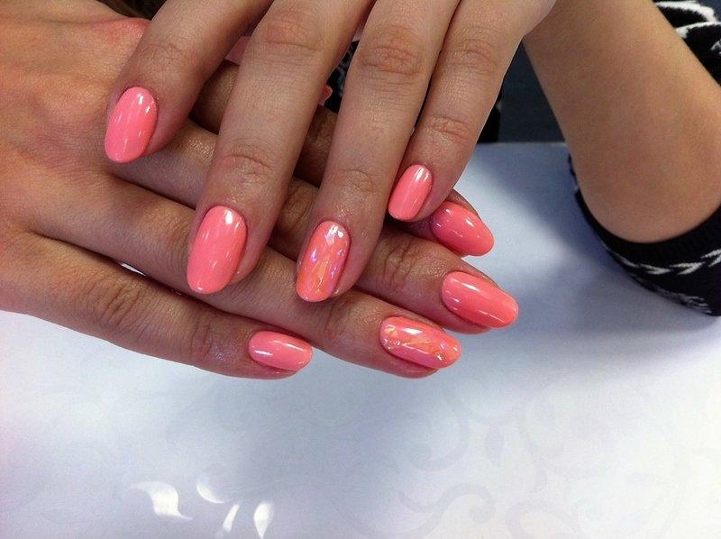 Gebroken glas koraal nagels