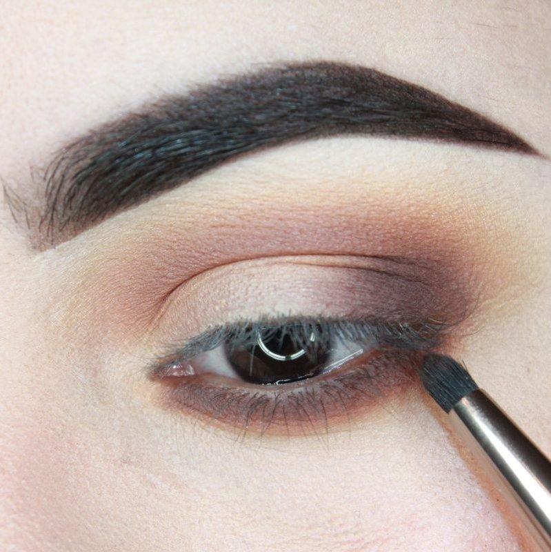 Een donkere hoek van een oog markeren