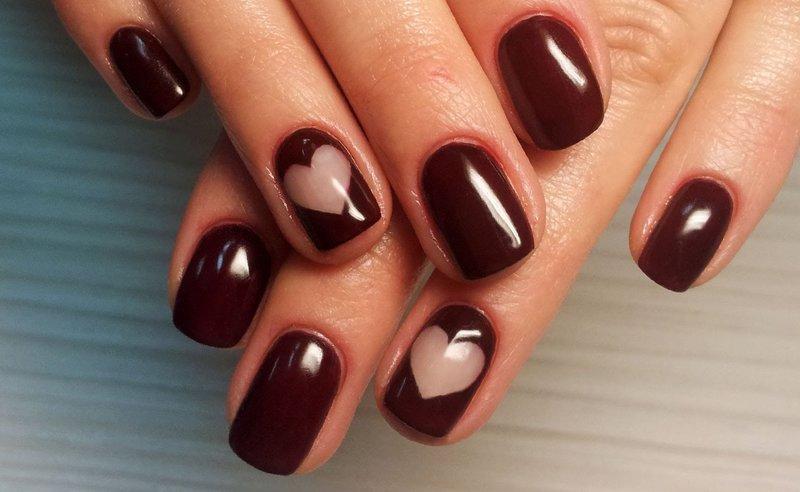 Zachte Bourgondische manicure
