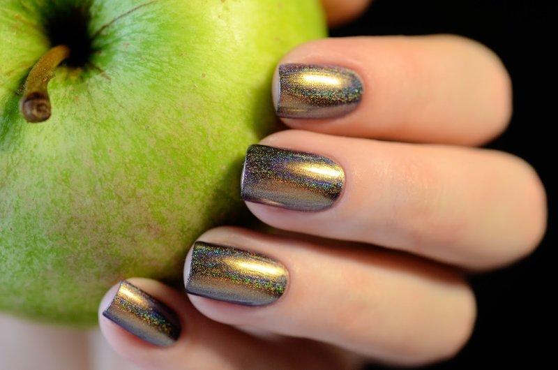 Gouden kameleon manicure