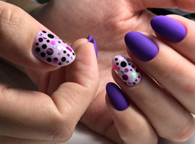 Paarse nagels met camifibuki