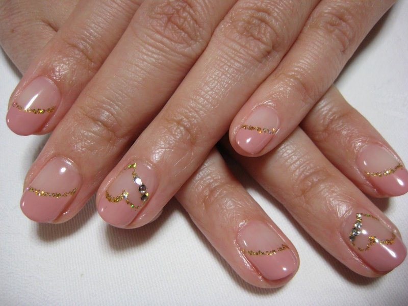 Gouden streep manicure