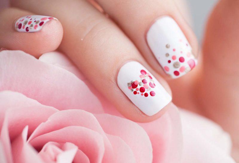 Gevoelige gestippelde nagels
