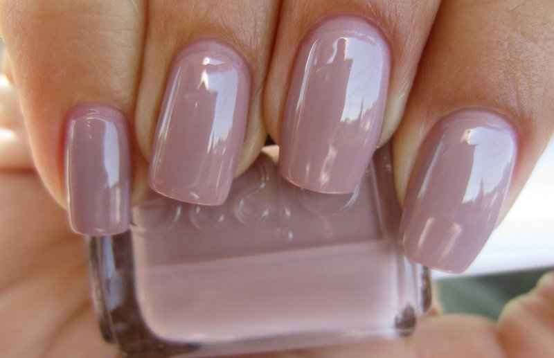 Paarse manicure