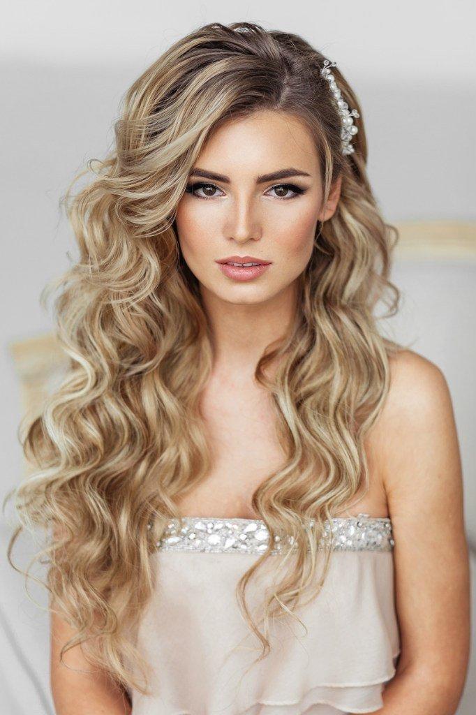 Vestuvių makiažas blondinėms su rudomis akimis