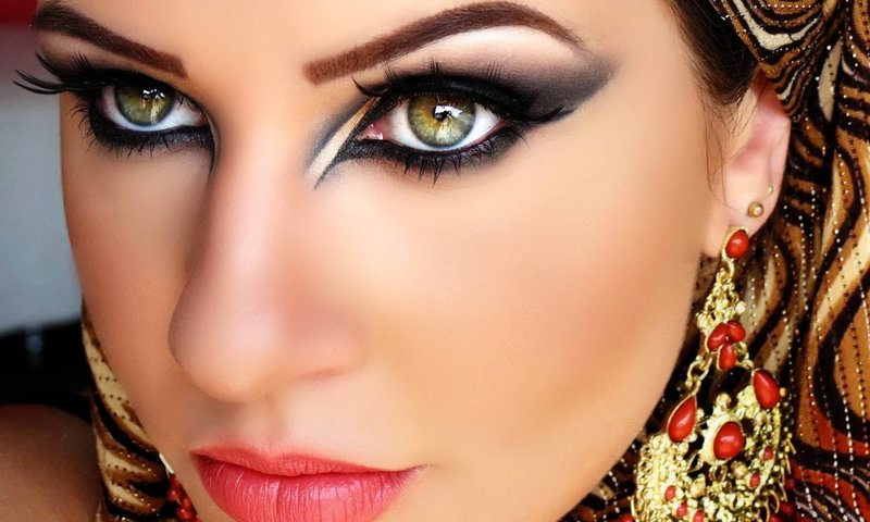 Arabiškas makiažas