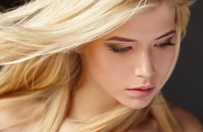 Švelnus makiažas blondinėms
