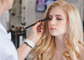 Créer un maquillage de soirée