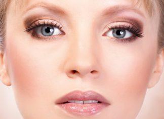 Maquillage pour les yeux gris