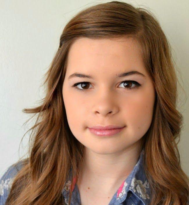 Makiažas paaugliui naudojant baltus akių dažus ir blizgesį