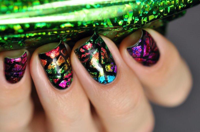 Abstracte manicure met folie