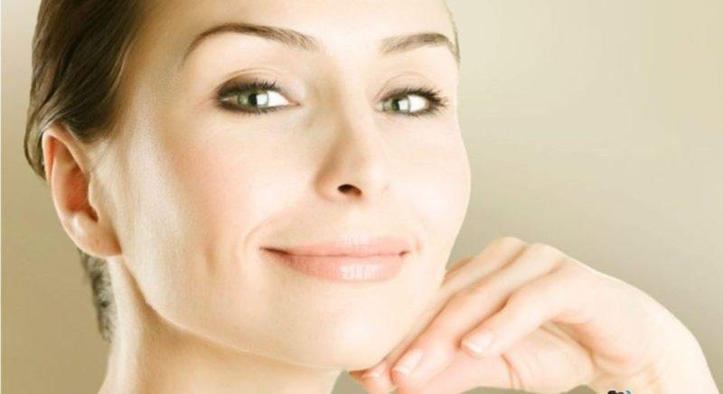 Huid na het aanbrengen van een crème met hyaluronzuur
