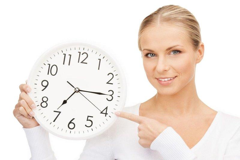 De exacte tijd instellen voor het innemen van het medicijn