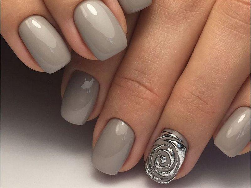 Foliebloem op nagels