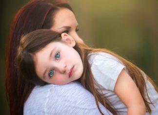 Hoe het boze oog van het kind te verwijderen?