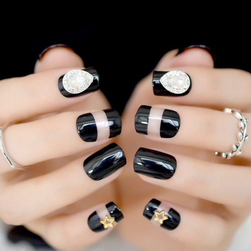 Steentjes op korte nagels