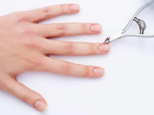 Voorbereiding van nagels voor het aanbrengen van gellak