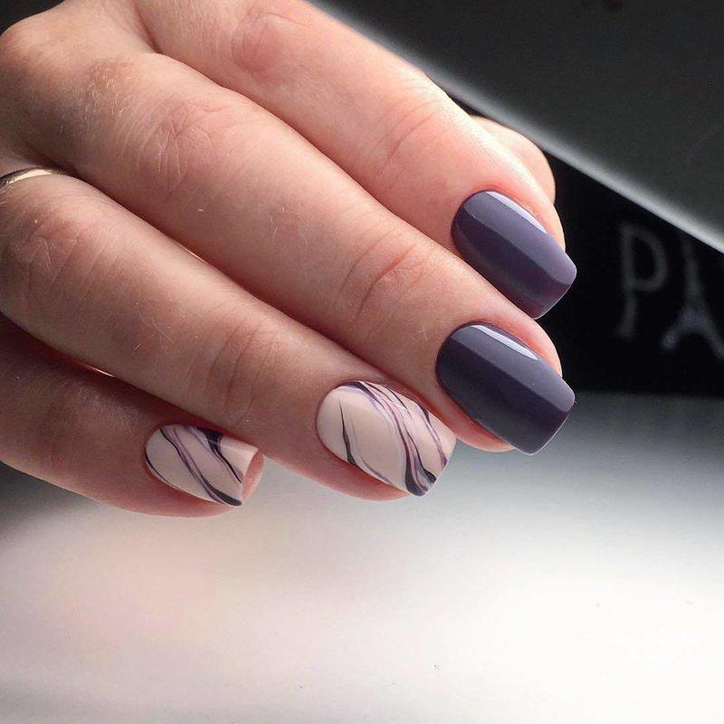 Zakelijke manicure met schellak